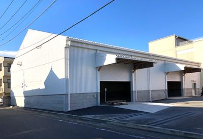 シオヤハウス 木造トラス倉庫